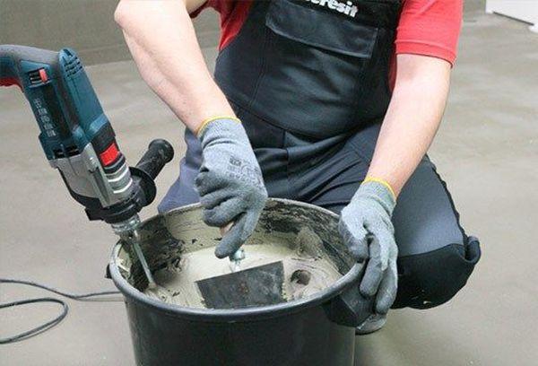 Приготовление смеси клея