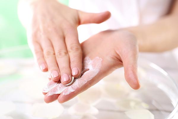 Использование крема для рук