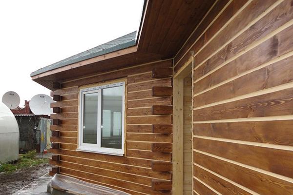 Дом из бруса, утепленный с использованием шовного герметика