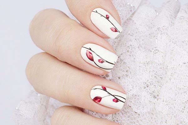 Ногти, декорированные водными наклейками