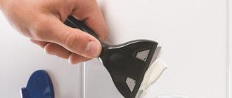 Удаление застывшего силиконового герметика скребком