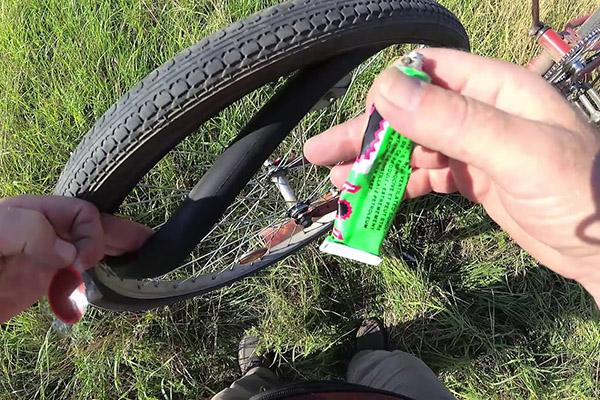 Клей для ремонта камеры велосипедного колеса